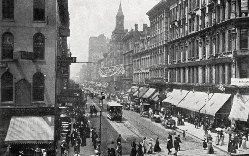Madison Street in Chicago in early 1900s looking west from Dearborn