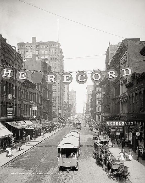 Madison Street in Chicago looking east from Wells in 1900