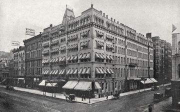 Wellington Hotel in Chicago at Wabash and Jackson